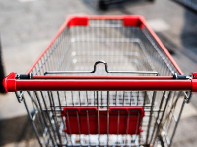 empty shopping cart representing abandoned application